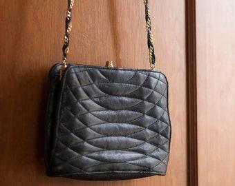696e4a55aa4b Vintage Leather Chain Purse