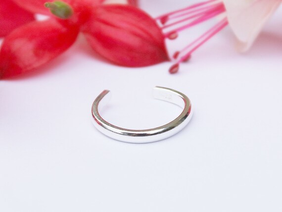 Toe ring Handmade 925 Uk Sterling Silver  Adjustable To Fit All Hammered Finish