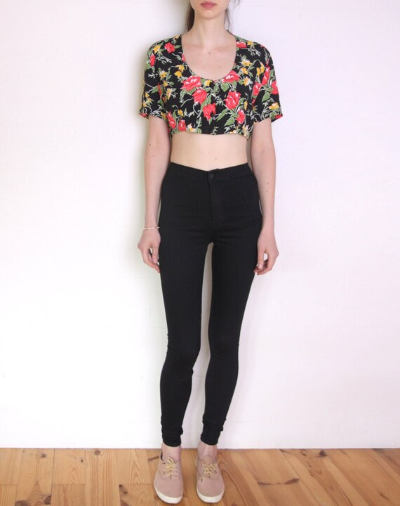 90's French floral crop top, black, red, white, ye