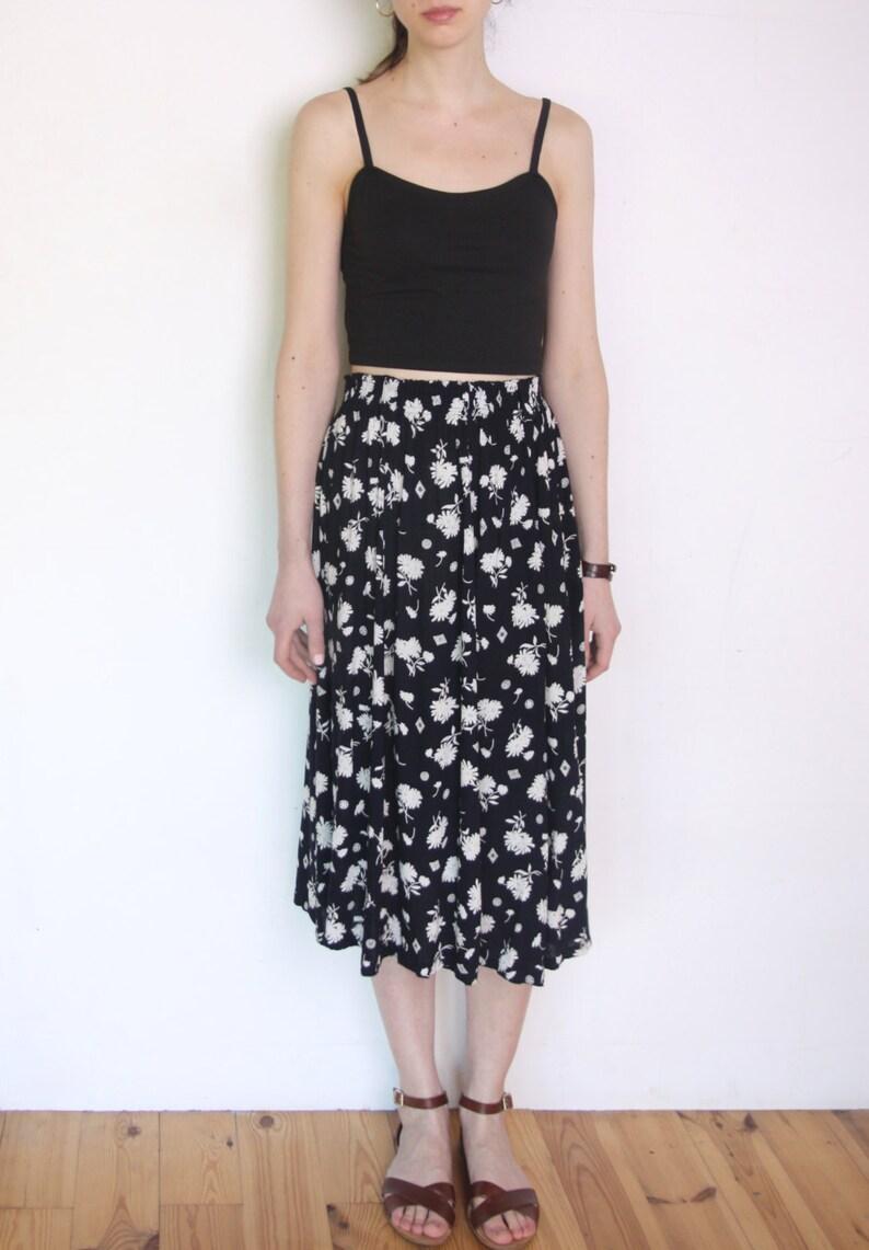 bd21aa0e4f 90's daisy print midi skirt long skirt floral print   Etsy
