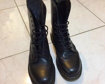 7192daa368 Black Dr Martens US10/UK9/EU43