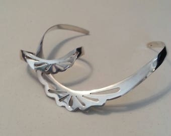 Sterling Silver Contoured Neck Ring Necklace and Matching Cuff Bracelet