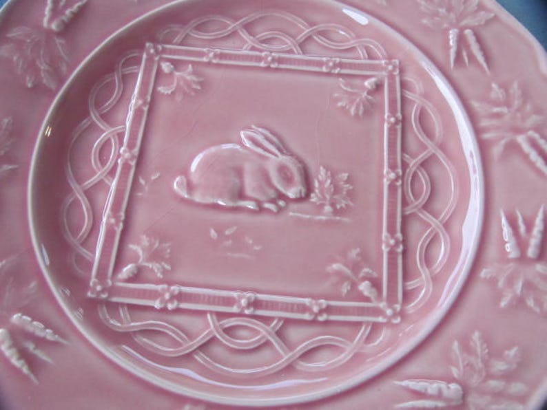 BORDALLO  Pinheiro Accent PINK Collectible Rabbit Luncheon Plate in Farm by Bordalla Pinheiro Made in Portugal