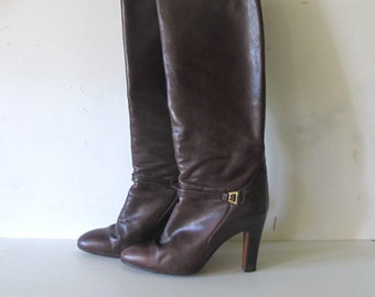 e339070c0 GUCCI 70s 80s vintage Brown leather GG logo harness High heels tall boots •  made in Italy