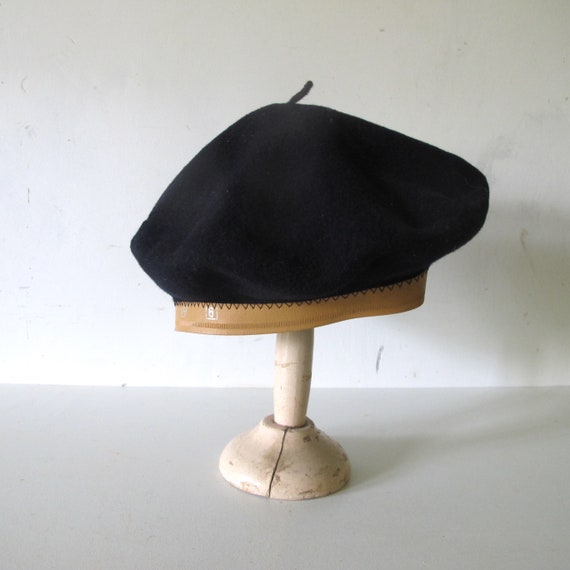 f06fa076fa1 1960s Beret Basque pur wool hat made in France