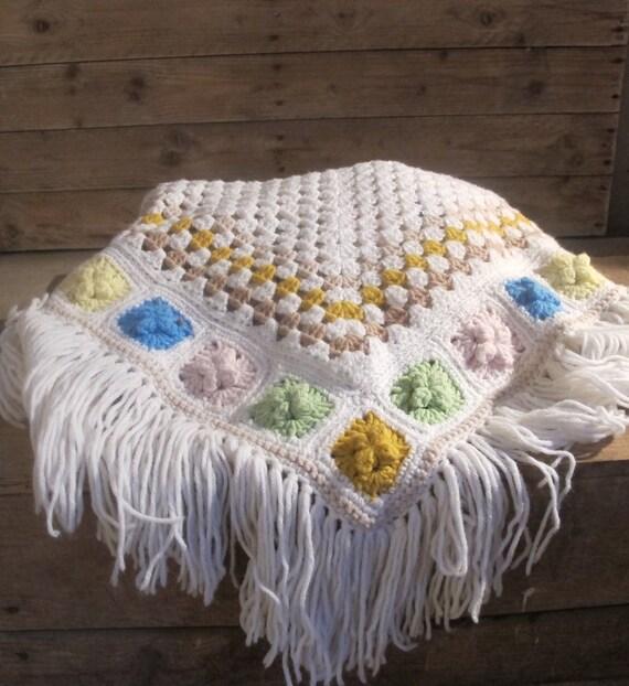 Vintage 70s Boho White crochet wool knit granny r… - image 2