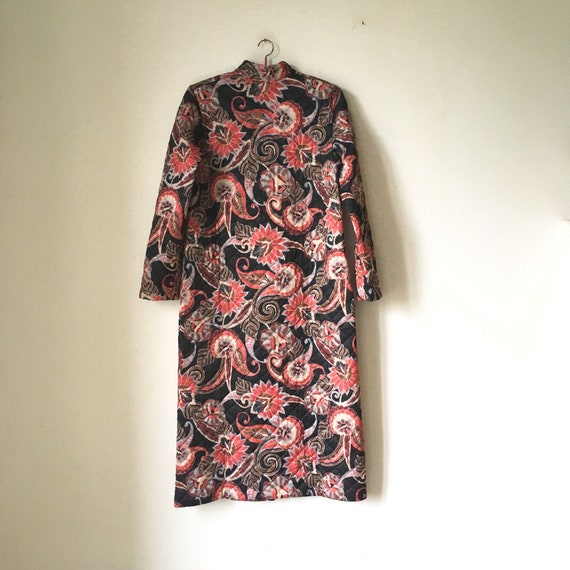 Vintage quilted floral paisley housecoat • dressi… - image 3