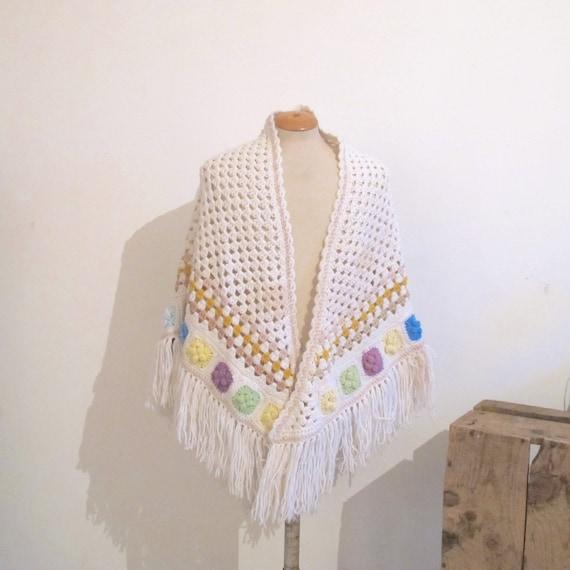 Vintage 70s Boho White crochet wool knit granny r… - image 1