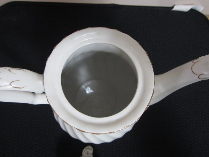 holds 6 cups teal and light brown with birddragon decoration teapot 9 inches tall England white swirl pot Myott Rialto Coffee Pot