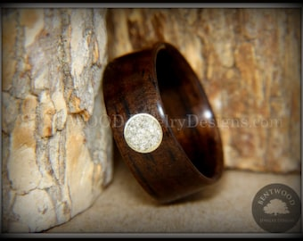 Bentwood Ring - Macassar Ebony with Golden Brass Glass Circle Inlay