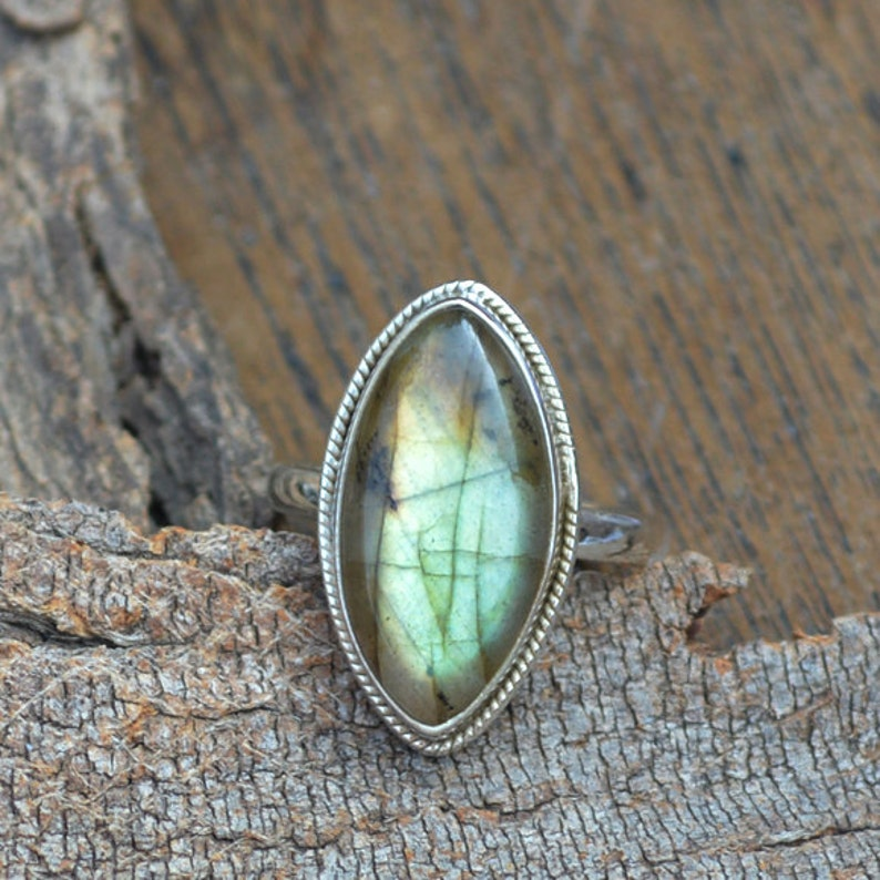 Birthstone Gift Silver Ring Designer Labradorite Ring OOak Labradorite Gemstone Ring Fine Labradorite Ring Marquise Labradorite Ring