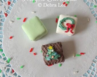 FAUX Petit Four CHRISTMAS Holiday Fake Mini Cakes Tea Party Food Prop Photo Kitchen Decor