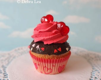 Fake Cupcake Faux Romantic Valentine Hearts Kitchen Decoration Food Prop