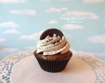 Fake Cupcake Chocolate Cookies N Cream with Sandwich Cookie