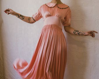 "1930s liquid silk satin dress with a peter pan collar 31"" waist!! M - L"