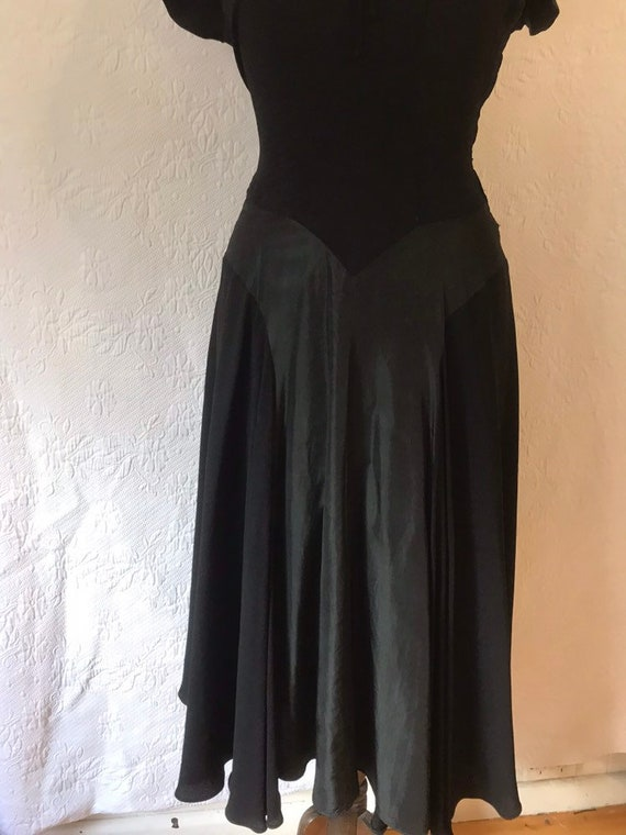 1930s crepe & taffeta party dress - image 4
