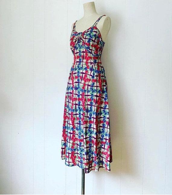 1930s stylish rose print lattice print dress