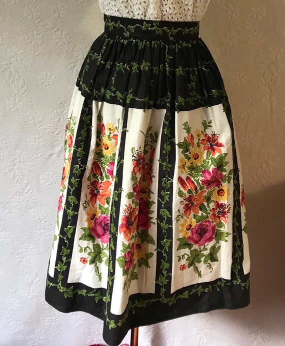 1950s border print lillies, roses & ivy  skirt