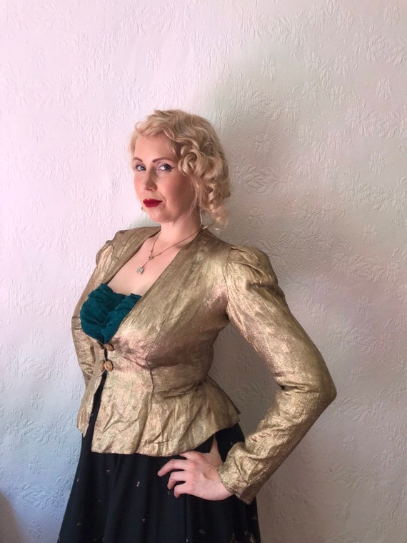 1930s 1940s gold lamé jacket with puffed shoulders