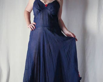 Exceptionally rare plus size muslin 1930s tea dress