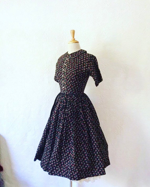 1950s red, black and white dress Peter Pan collar