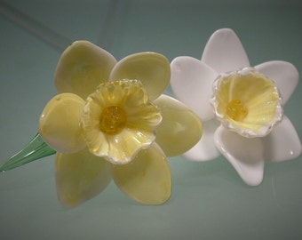 Blown and Sculpted Glass Daffodil