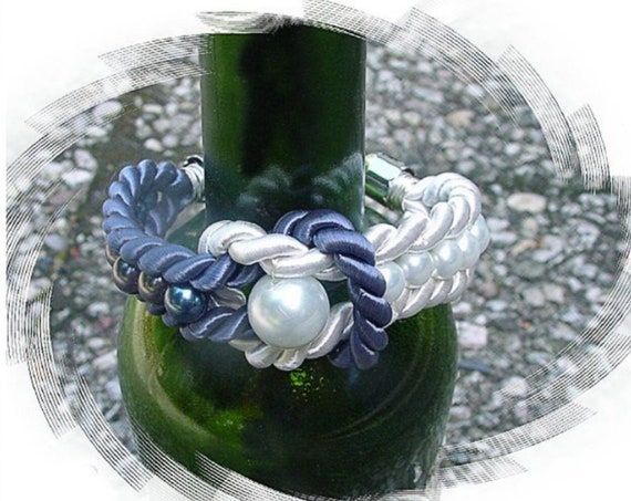 Beaded navy rope bracelet tutorial by GunaDesign
