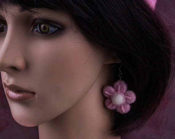Lemonade pink flower earrings by GunaDesign