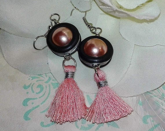 Pink bead tassel earrings by GunaDesign