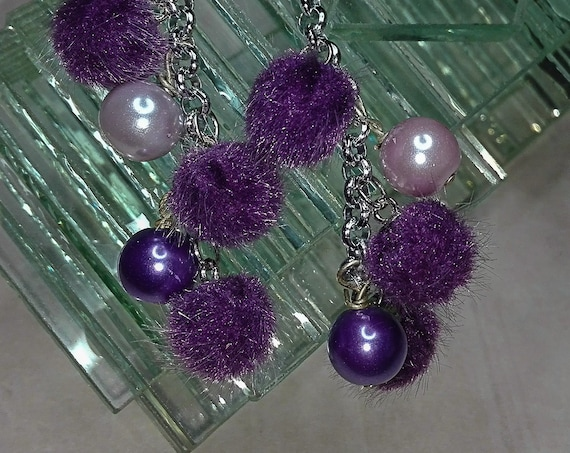 Pompom and bead earnings by GunaDesign