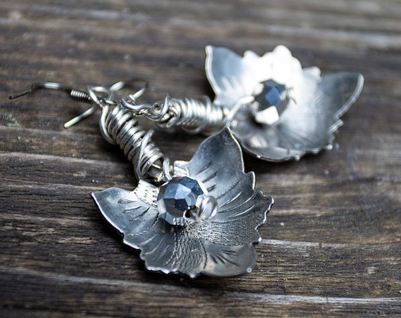 Vintage spoon lotus leave drop earrings by GunaDesign
