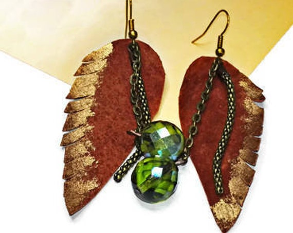 Leather leaf earrings with bead by GunaDesign