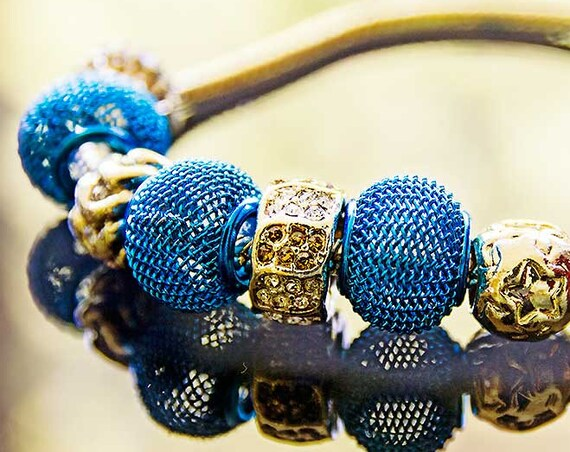 Snake chain bracelet with beads by GunaDesign