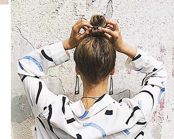 Snake chain dangling earrings for woman by GunaDesign
