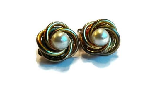 Vintage clip-on earrings, white bead and golden color metal round clip-on button earrings from 60's for woman