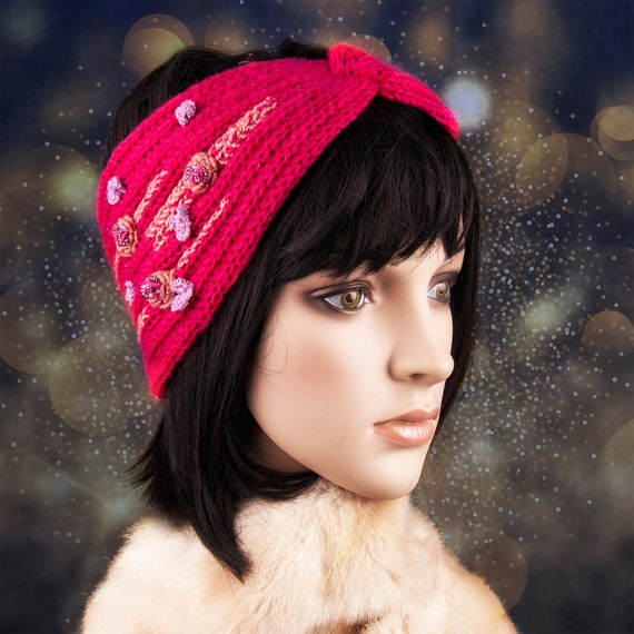 Pink knitted ear warmer by GunaDesign