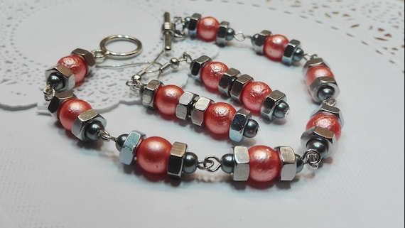 Pink, silver gray bead bracelet and earrings by GunaDesign