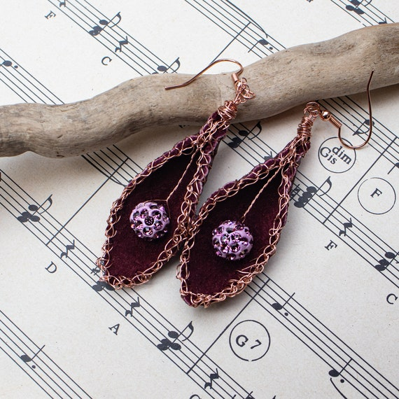 Dark Red leather leaf earrings with pink bead by GunaDesign