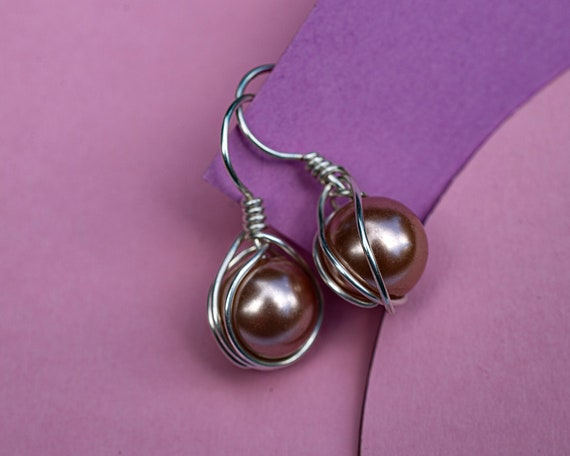 Pink bead earrings by GunaDesign
