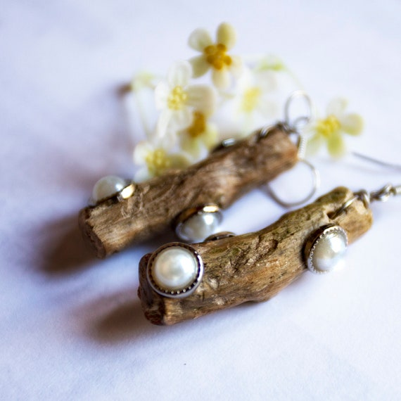 Wooden earrings with beads by GunaDesign