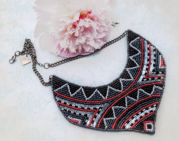 Beaded African Style Necklace by GunaDesign