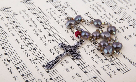 One decade rosary praying beads by GunaDesign