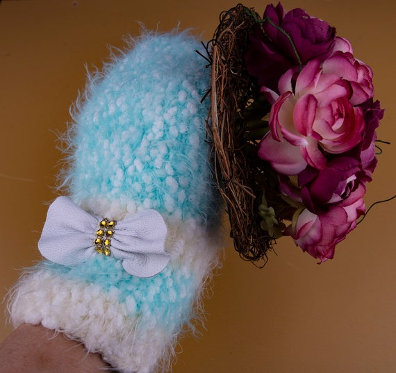 Knitted Tiffany blue mittens with leather bow by Gunadesign