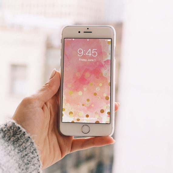 Four Places to Find Free Phone Backgrounds