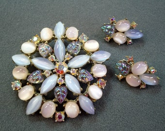 Big Gorgeous Vintage Rhinestone Brooch and Matching Clip Earrings- Free shipping