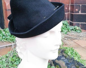 Winter Sale Amazing high crown late 1930s 1940s fedoda style black fely hat  with gold sequin trim 2ef413afd986
