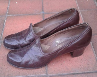 5e7c9a467c252c Lovely stylish simple 1940s brown leather everyday shoes
