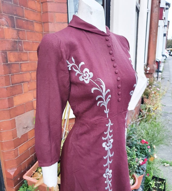 Beautiful 1930s 40s maroon thicker wool crepe I th