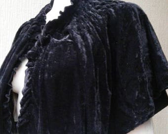 Stunning 1930s black velvet cape jacket with cream lining