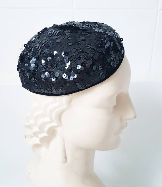 Fab stylish original 1930s little jaunty sequined